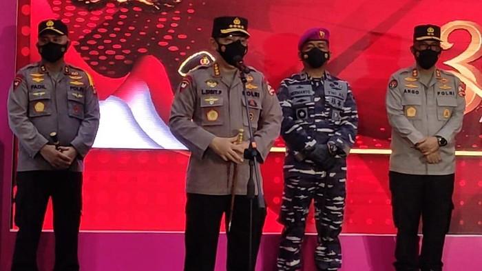 Kapolri Jenderal Listyo Sigit Prabowo lakukan kunjungan acara vaksinasi di JCC Senayan, Jakarta Pusat. (Yogi-detikcom)