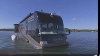 Wujud Unik Motorhome Amfibi: Lancar di Aspal, Meluncur Mulus di Air