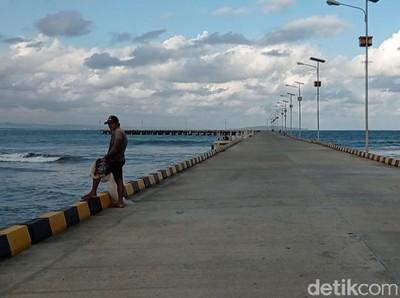 Belum Ada Kapal Sandar, Mancing Dululah di Bojongsalawe Pangandaran
