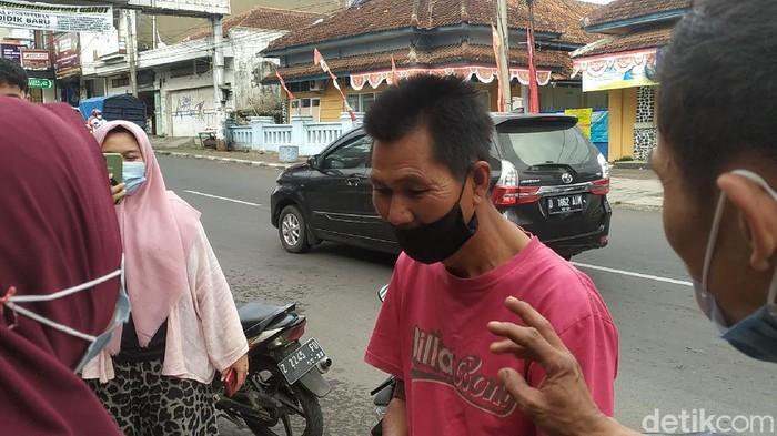 Pria Garut Bawa Rp 5.000 untuk Beli Nasi Padang