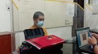 Keji Pria Ludahi Perempuan Petugas PLN Saat Ditagih Tunggakan