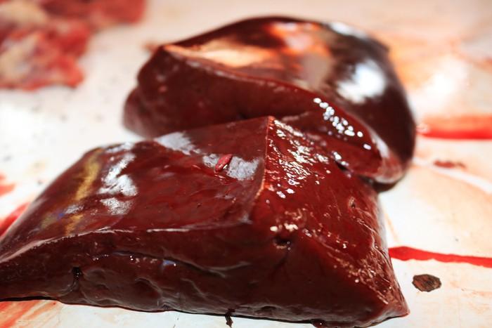 Sama Seperti Daging Babi, Makan Darah Juga Haram Bagi Muslim