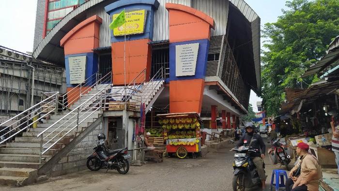 Suasana Pasar Lokbin Palmerah