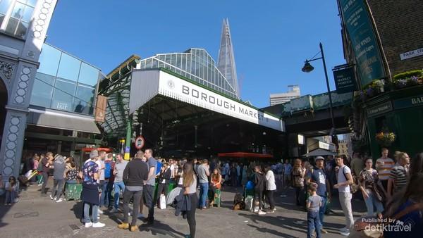 Salah satu pintu masuk Borough Market