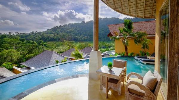 Hotel dilengkapi dengan kolam renang yang cantik. Ada juga ruangan untuk olahraga Yoga di hotel ini (wapadiumesidemen.com)