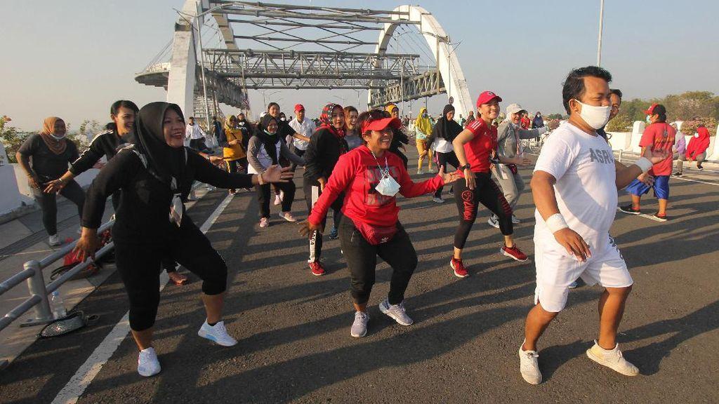 Jadi Lokasi Olahraga, Jembatan Suroboyo Ramai di Akhir Pekan