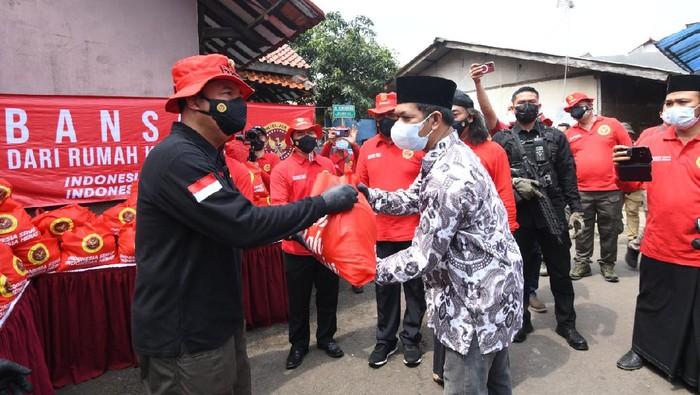 Kepala BIN Budi Gunawan salurkan bantuan di ponpes Tangerang Selatan