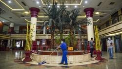 Sebuah bangunan bekas hotel di Medan dialihfungsi menjadi lokasi isolasi mandiri. Eks hotel itu siap tampung pasien COVID-19 bergejala ringan dan OTG.