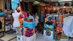 Suasana Pasar Baru Bandung yang Kembali Dibuka untuk Pengunjung