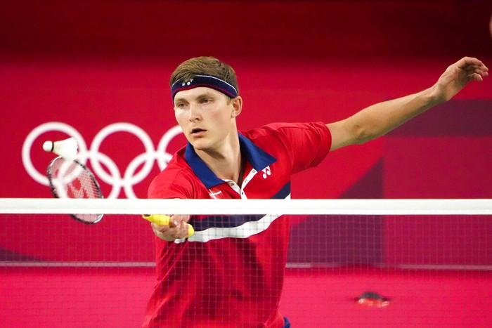 Denmarks Viktor Axelsen competes against Guatemalas Kevin Cordon during their mens singles badminton semifinal match at the 2020 Summer Olympics, Sunday, Aug. 1, 2021, in Tokyo, Japan. (AP Photo/Markus Schreiber)