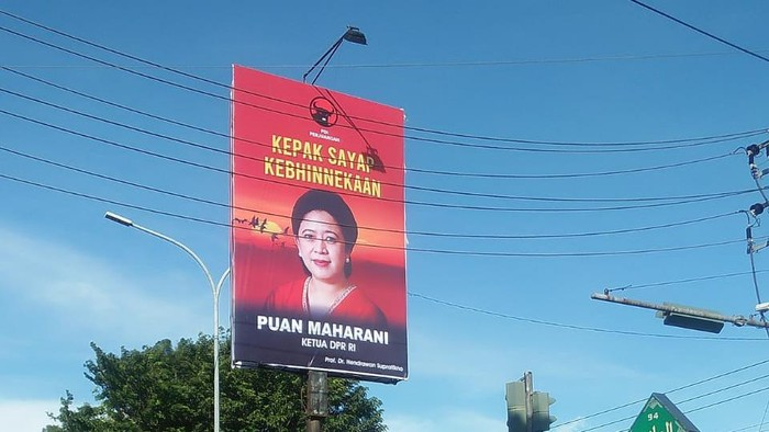 Baliho Puan Maharani yang dipasang anggota DPR Hendrawan Supratikno di Dapil Jateng X (Foto dikirimkan Hendrawan Supratikno).
