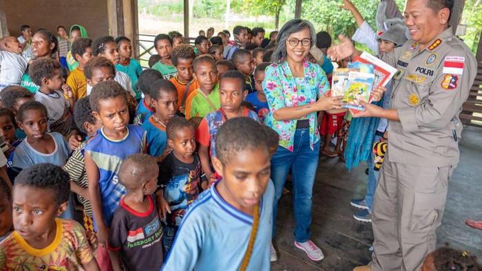 Polri dan Binmas Noken di Papua