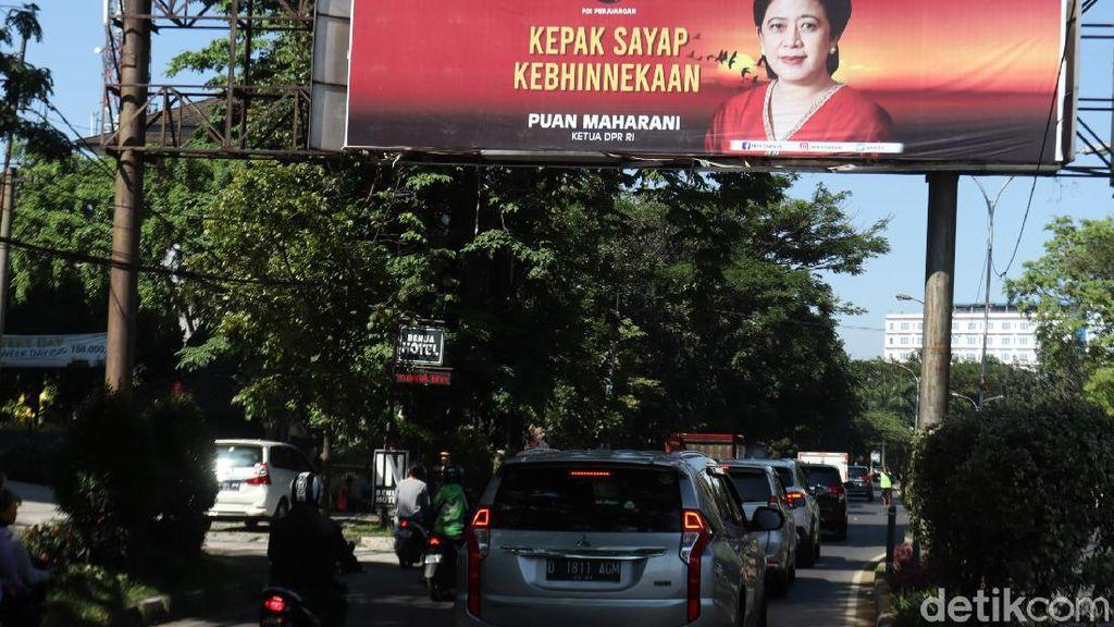 Baliho Puan Juga Mejeng di Bandung, Ketua PDIP Jabar: Kita Ditugaskan