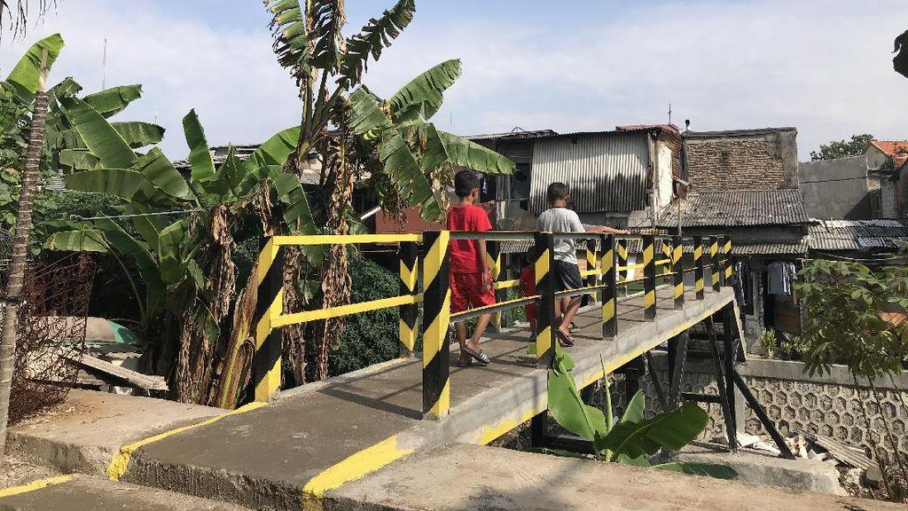 Perbaikan Selesai, Jembatan Bambu Reyot di Kebon Jeruk Kini Jadi Beton