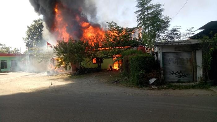 Kebakaran Gudang Solar-Mes TNI di Cimahi