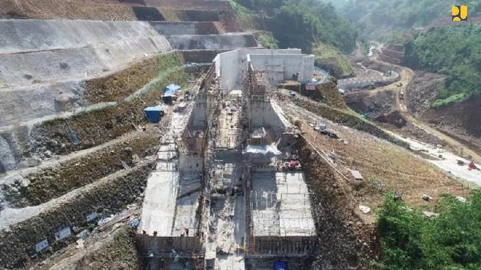 Kementerian PUPR terus mempercepat penyelesaian pembangunan Bendungan Kering (dry dam) Sukamahi dan Ciawi di Kabupaten Bogor, Jawa Barat.