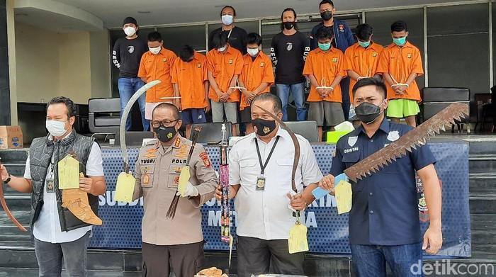 Polda Metro Jaya menangkap sejumlah pelaku anggota geng motor yang terlibat tawuran di Bekasi bulan lalu (Yogi Ernes/detikcom)