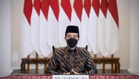 PPKM Lanjut, Jokowi Jamin Bansos buat PKL-Warung Jalan Terus