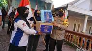Tak Hanya Vaksin, Semangat Merah Putih Juga Disuntikkan di Mojokerto