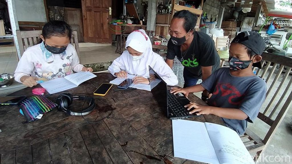 Warga Magelang Sediakan WifI Gratis untuk Sekolah Daring