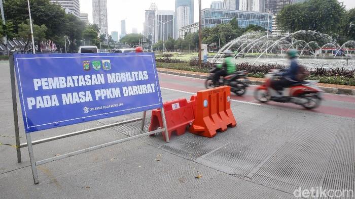 PPKM level 4 akan berakhir hari ini. Begini suasana kawasan bundaran Hotel Indonesia, Pasar Mete, dan Warteg di Jakarta.