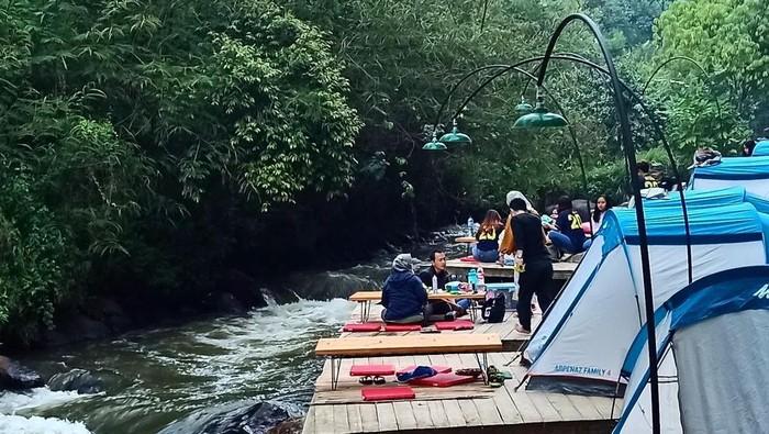 Tempat camping Pineus Tilu di Pangalengan, Bandung