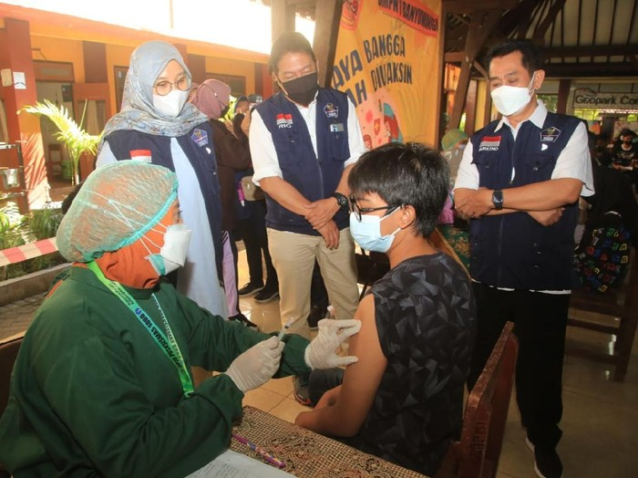Vaksinasi COVID-19 di Kabupaten Banyuwangi