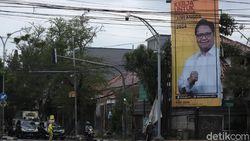 Tak Hanya Puan, Baliho Airlangga Hiasi Bandung