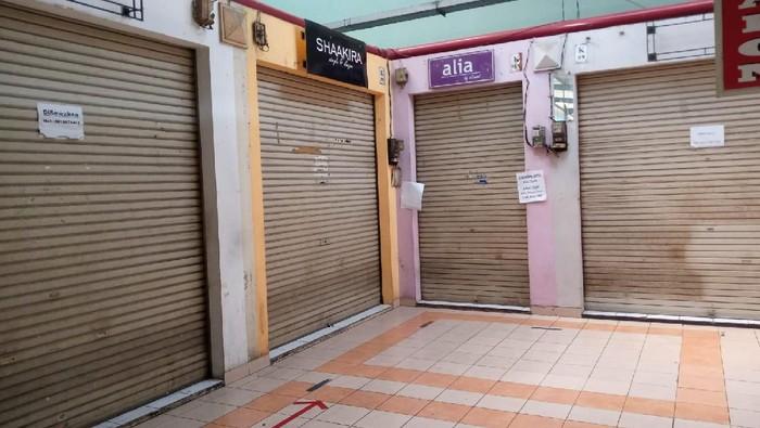 Banyak toko tutup di Pasar Modern BSD (Foto: Kadek/detikcom)