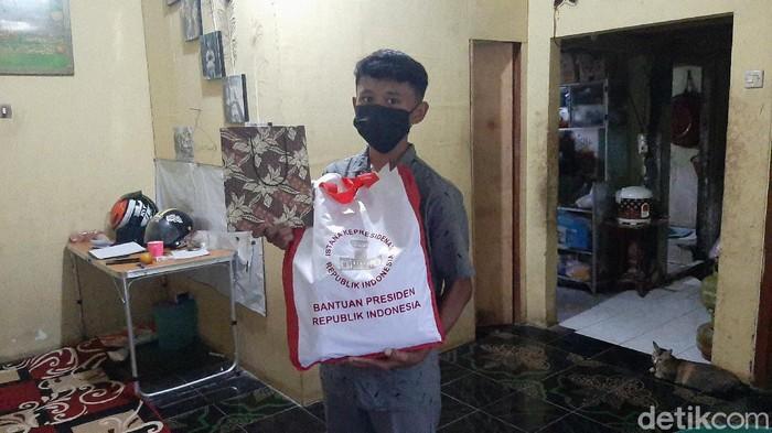 Bocah Penjual Gorengan di Bogor