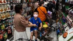 Wuhan jadi salah satu daerah yang dinyatakan berhasil bangkit dari pandemi virus Corona. Dibayangi ancaman varian Delta, kasus COVID-19 kembali muncul di Wuhan.