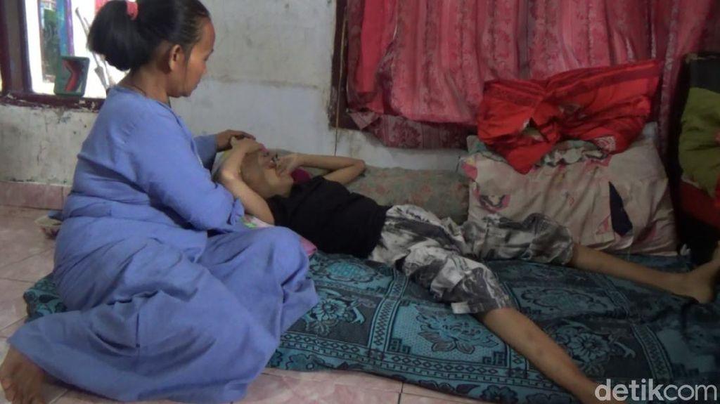 Nelangsa Gadis Belia di Pandeglang Tak Berdaya Gegara Leukemia
