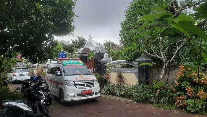 Lansia positif COVID-19 di Bali meninggal di rumah usai dipulangkan dari rumah sakit. (dok. Istimewa)
