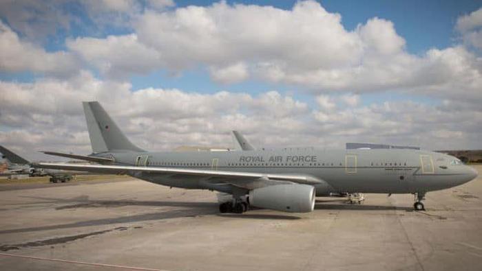 Pesawat Kepresidenan penting untuk mobilitas pimpinan negara saat melakukan kunjungan. Setiap pimpinan negara di dunia punya pesawat Kepresidenan. Ini fotonya.