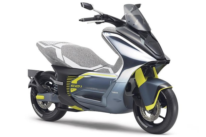 Motor konsep Yamaha Tritown, E0-1 Electric Commuter dan EO-2 Commuter Electric.
