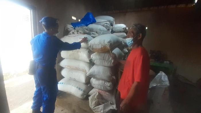 Polda DIY membeli beras hasil panen petani di Kulon Progo