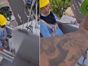 Bagikan Minuman Gratis untuk Pekerja Gondola, Pria Ini Banjir Pujian!