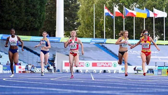 Sosok Kristina Timanovskaya curi atensi dunia. Usai diusir dari Olimpiade Tokyo 2020 oleh timnya sendiri, sprinter Belarusia itu tengah mencari suaka politik.