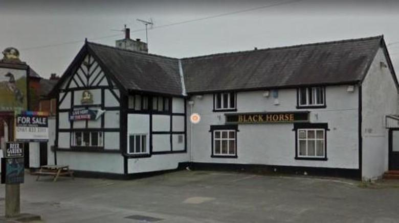 The Black Horse, bar tertua di Warrington