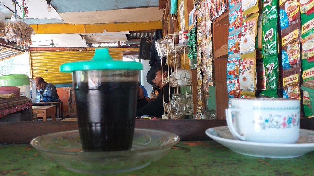 PPKM Level 4 Diperpanjang, Pemilik Warkop di Surabaya: Innalillahi
