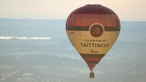 Berbagai macam balon udara panas klasik serta bentuk dan karakter unik dipastikan akan memeriahkan ajang ini.