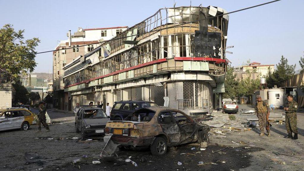 Serangan Bom Taliban Targetkan Menhan Afghanistan, 8 Orang Tewas