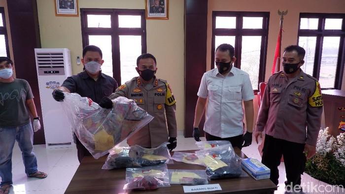 Ekspose kasus pembunuhan wanita terbungkus karpet di Serang