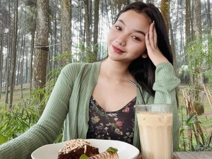Momen Seru Glenca Chysara Ikatan Cinta Makan Pancake dan Pasta Lezat