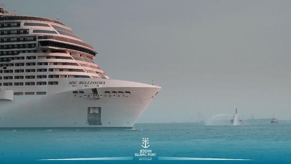 MSC Cruises yang berkantor pusat di Jenewa mengumumkan bahwa mereka telah menandatangani perjanjian lima tahun dengan Cruise Saudi. Twitter @jeddahport.