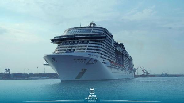 Dari Jeddah, MSC Bellissima akan berlayar ke Aqaba di Yordania dan Safaga di Mesir. Twitter @jeddahport.