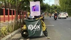 Viral Jualan iPhone 12 di Trotoar, Erajaya: Itu Cuma Promosi