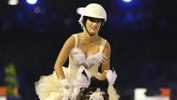 Pesona Putri Bruce Springsteen, Jadi Atlet Berkuda di Olimpiade Tokyo 2020