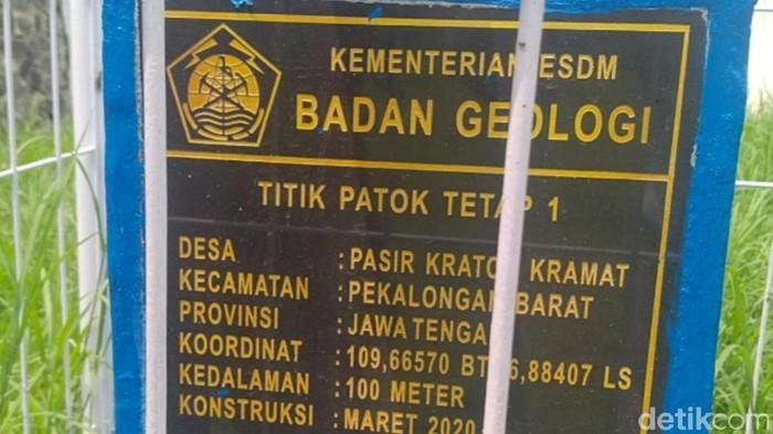 Patok pengukur penurunan muka tanah di Kota Pekalongan