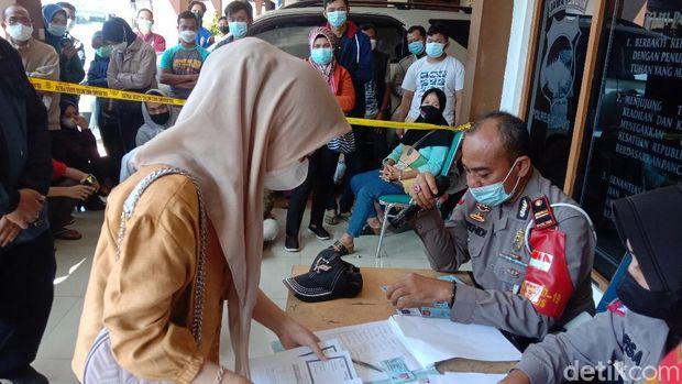 Pendaftaran vaksinasi Corona di Polsek Kota Kudus, Rabu (4/8/2021).